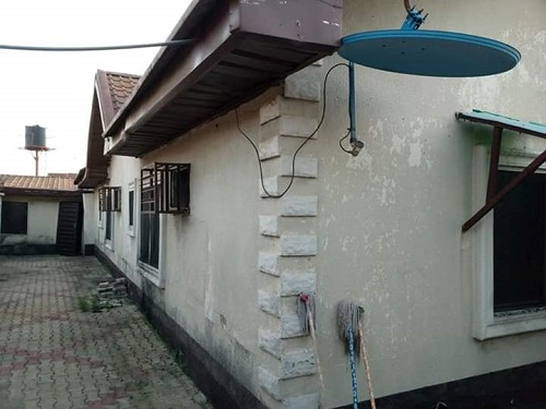 3 Bedroom bungalow wit one BQ at Area L world Bank  Owerri Imo State for sale