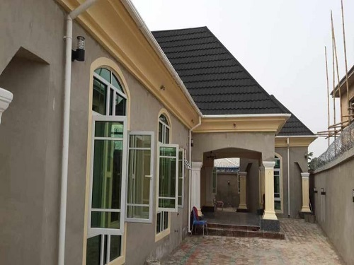finished 3 bedroom bungalow all ensuit with 2 sitting rooms at  Abbah Father estate Umuguma Owerri IMO state for sale